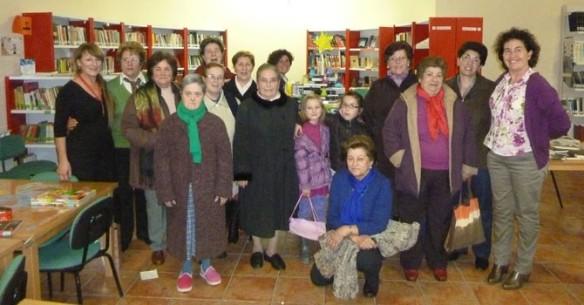 Imagen del club de lectura de Uclés, en la actividad que realizó el pasado mes de diciembre. /ARCHIVO, eldiadigital.es
