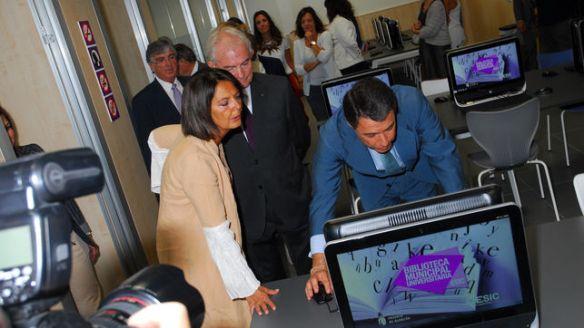 """Ignacio González durante la inauguración de la biblioteca de colaboración """"pública-privada"""" en Pozuelo / Foto: ESIC"""