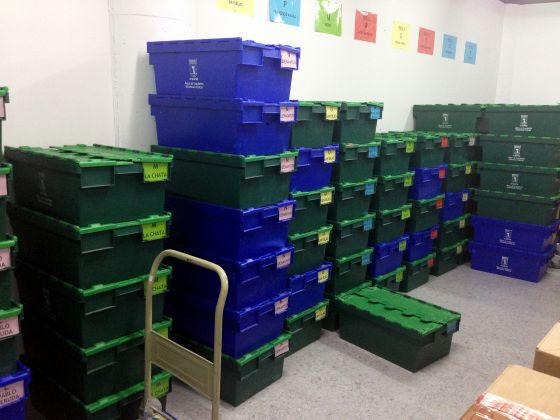 Libros almacenados durante meses a la espera de ser distribuidos a las bibliotecas municipales.