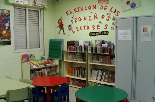 Muchos niños acuden por las tardes a las bibliotecas de barrio / Imagen Ayto.