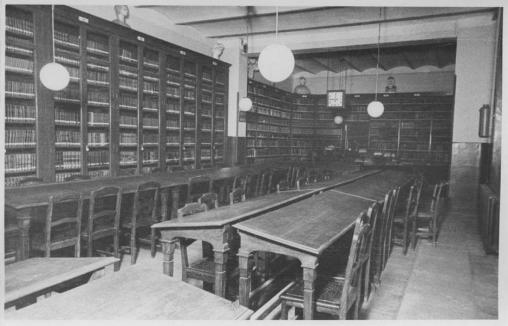 Biblioteca pública de Cuatro Caminos, en 1915.