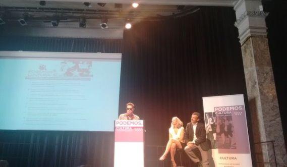Santiago Auserón, José Manuel López y Jazmín Beirak, en la presentación del programa de cultura