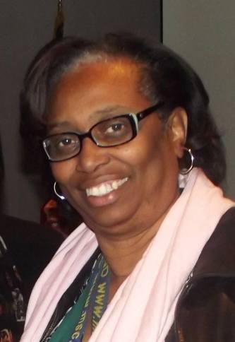 Cynthia Hurd. Fuente: www.ccpl.org/ Charleston County Public Library